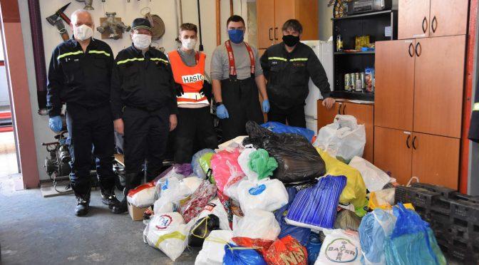 Sbor dobrovolných hasičů sbíral látku na roušky
