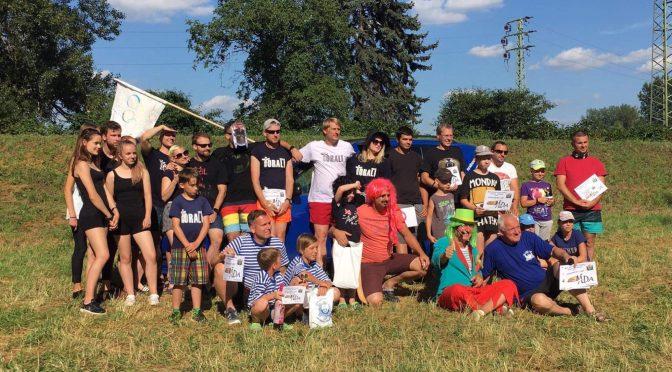 Hrabovská Neckyáda potěšila stovky lidí na obou březích řeky Ostravice